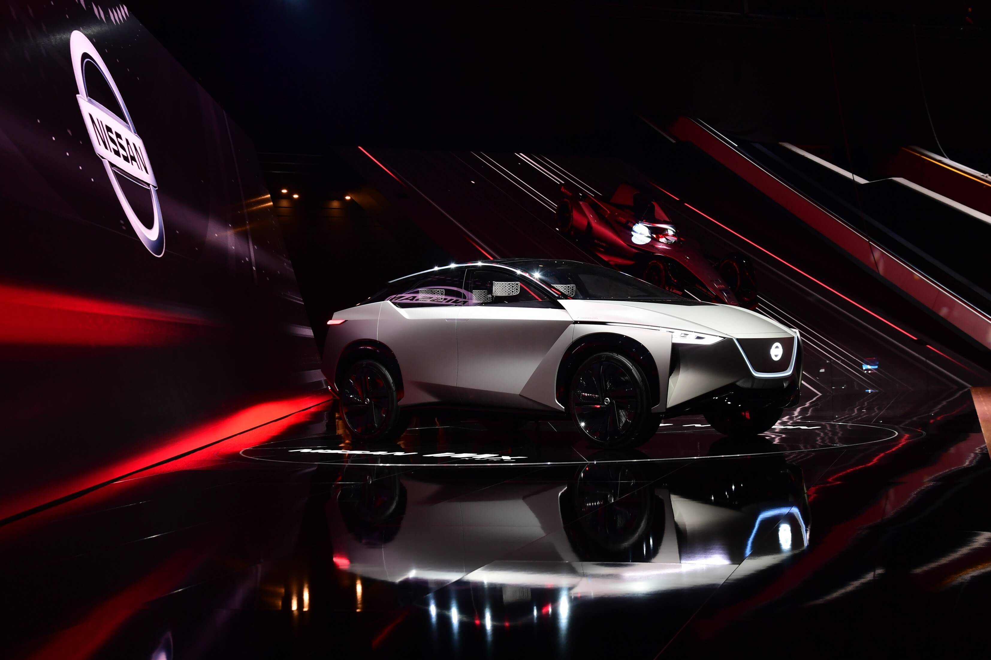 6.03 Nissan avalikustas Genfi autonäitusel ideeauto IMx KURO