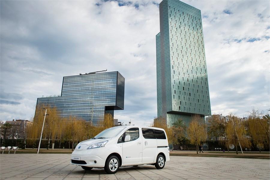 Verdenspremiere på den nye Nissan e-NV200 med økt rekkevidde