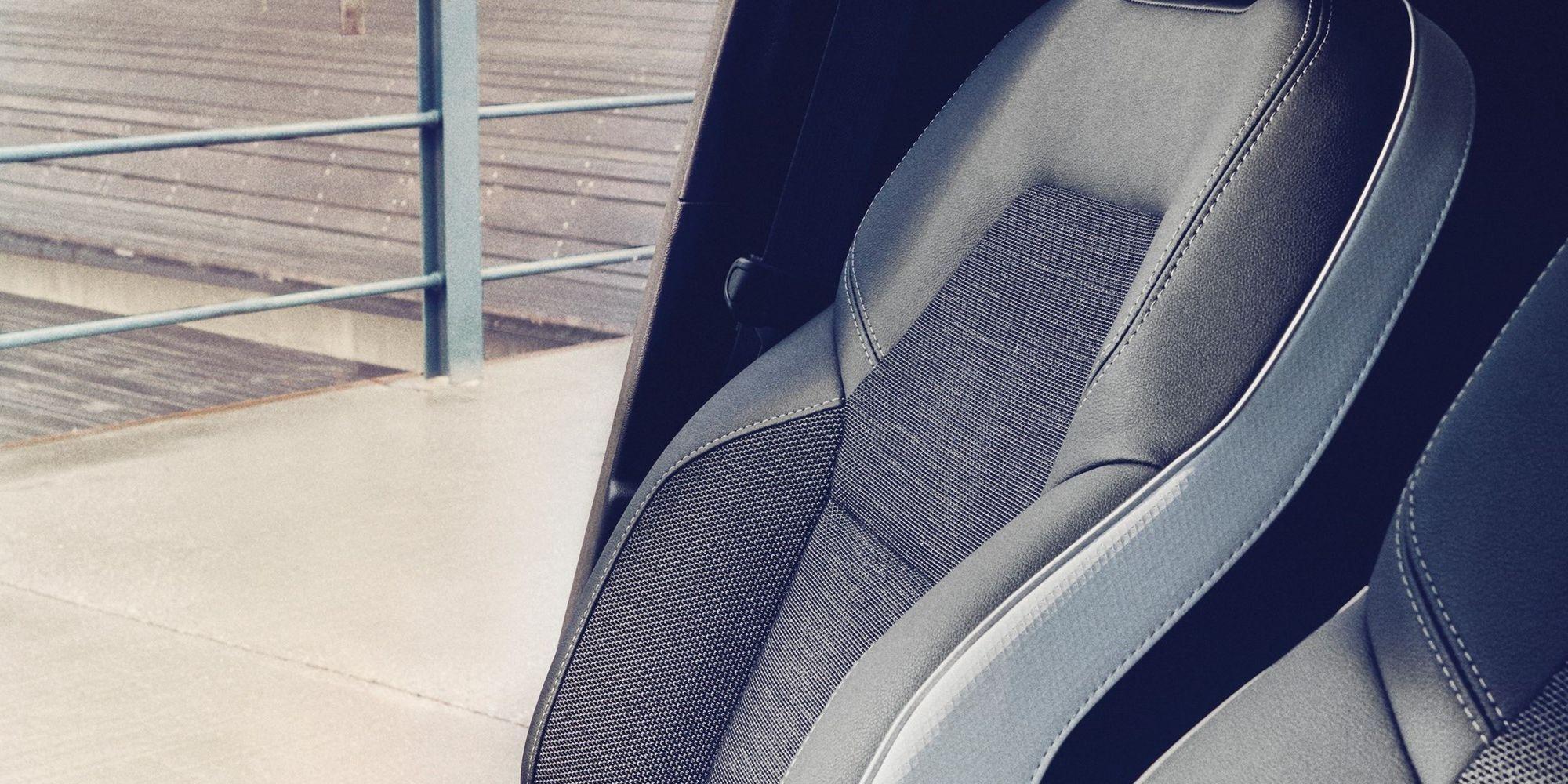 Musta-halli värvi tekstiilist istmekatted, kombineeritud kunstnahaga + külgedelt helehall (vajalik PERP02)