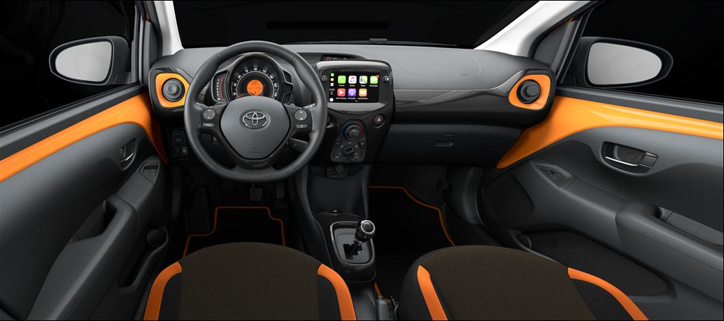 Черная тканевая обивка сидений с подушками оранжевoвo цвета (FE21)